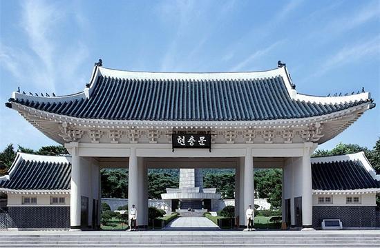 韩国国立墓地——首尔显忠院