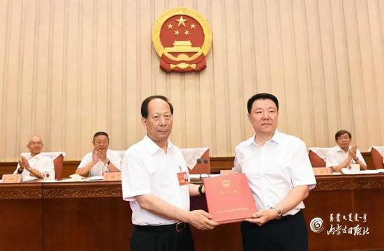 [杏悦]奇巴图任内杏悦蒙古自治区副主席图片