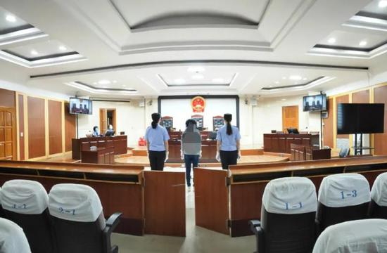 疫情期间隐瞒亲属从武汉返回致5人感染新冠肺炎 两被告被判缓刑图片