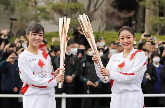 一个接一个名人请辞,日本压力大了