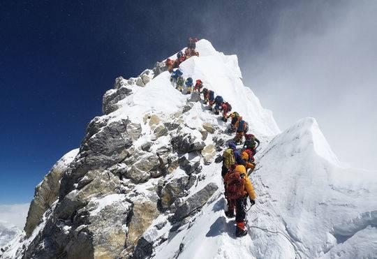 登顶前发生堵塞排行。