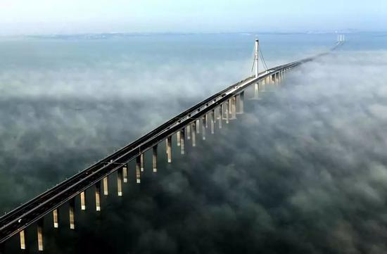 青岛胶州湾大桥(资料照片)。新华社发