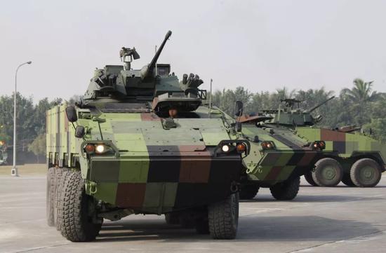 """作为机械化载具的""""云豹""""可以说性能及格,但要用它取代坦克嘛……"""