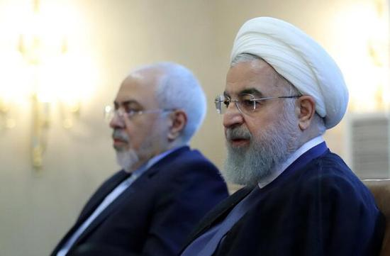 伊朗总统鲁哈尼被议会传唤,接受质询。(图源:东方IC)