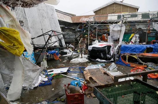多地呈现建筑被毁(图片来源:东方IC)