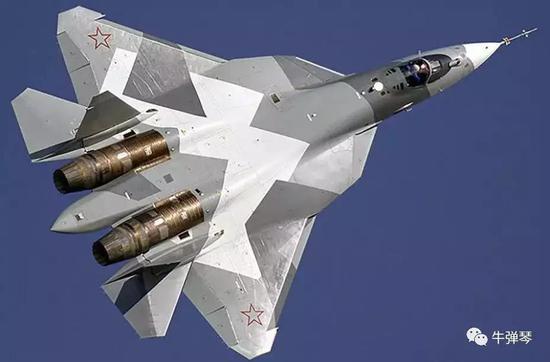 此雕刻款被称为F22杀顺手的苏-57,能也确实让普京疼快淋漓。