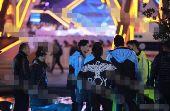 博狗娱乐公司·35位债权人代表到访FF与贾跃亭会面 12月下旬将就重组方案投票