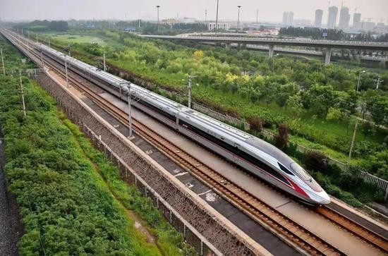 """▲世界上运营时速最快的高铁""""复兴号""""。"""