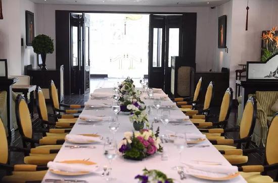 2月28日,越南河内索菲特传奇大都会酒店,由于情况变化,原定用于朝鲜领导人金正恩和美国总统川普中午工作餐的餐厅不再需要。图/视觉中国