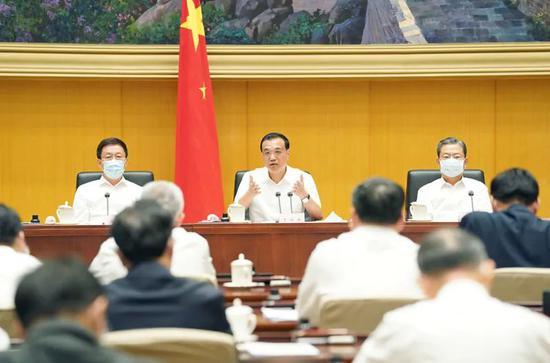 杏悦,央政治局常委出席的重磅会杏悦议释放这个反图片