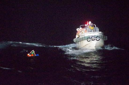 载43名船员和5800头牛驶往中国 巴拿马籍货轮在东海沉没