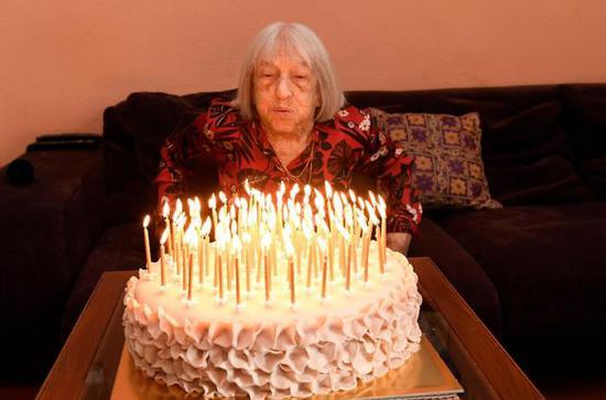 她是百岁奥运冠军,躲过纳粹屠杀,十登奥运领奖台