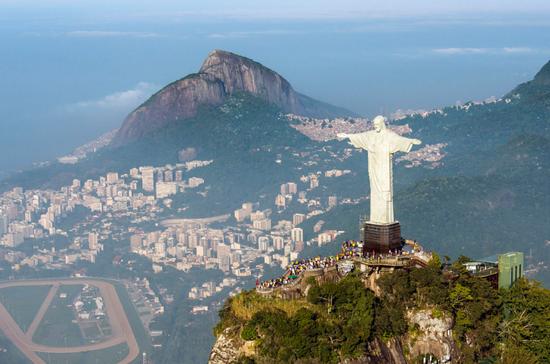 救世基督像照看着巴西的里约热内卢。/Chensiyuan/WIKI