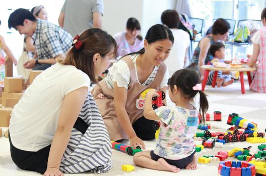 日本幼儿园的小朋友(静冈英和学院大学网站)