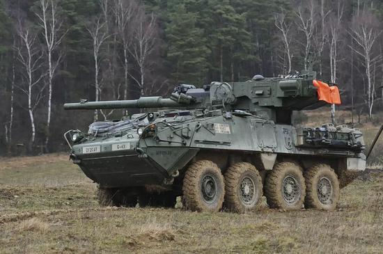 M1128机动火炮系统的主炮从L7线膛炮改进而来,威力比原版还降低了,可以认为火力弱于59D