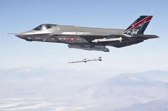 ▲資料圖片:土耳其是F-35項目的參與國之一,圖中F-35A機身上可見土耳其國旗。