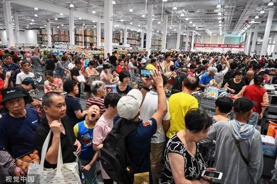 ▲8月27日,中国内地首家开市客门店在上海闵行开业。
