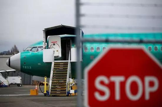 ▲资料图片:停放在美国伦顿工厂的一架波音737MAX(路透社)