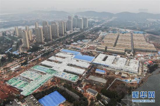 这是2月2日拍摄的武汉火神山医院(无人机照片)。 记华社新者我们。 程敏 摄