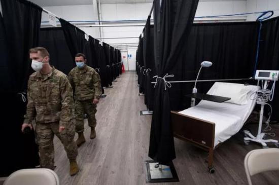 美军单日新增超1300例新冠病例刷新纪录 累计近7万例