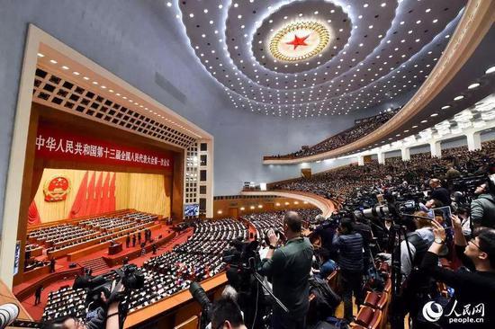 十三届全国人大一次会议的日程已近尾声。