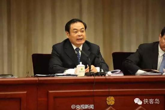答完腐败问题,时任山西省委书记王儒林说,