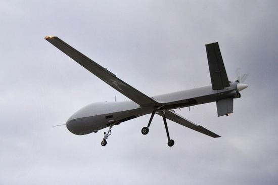 """大型无人机""""腾云"""",目前只是""""展示阶段"""",但是台军为了建案依然申请了大量军费"""