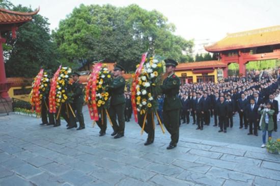 中江县举行敬英雄祭英烈主题活动。本文图均为华西都市报 图