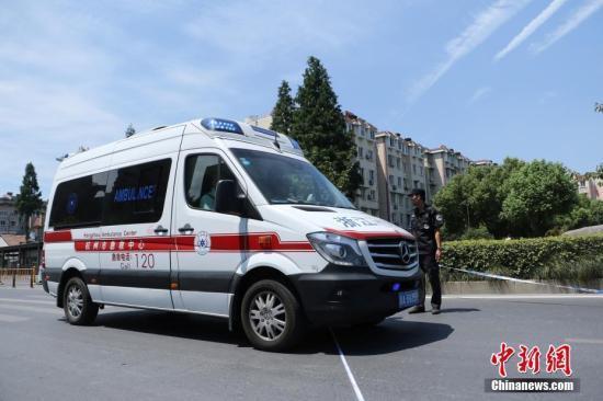 北京晨报:生命面前 别让缴费争议延误救治时机