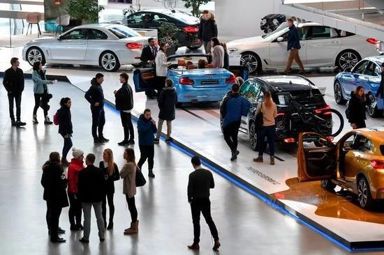 ▲德国汽车制造商宝马的汽车展台(美国《纽约时报》)
