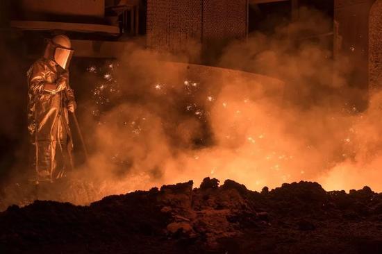 ▲德国萨尔茨吉特的一座高炉(美国《纽约时报》)