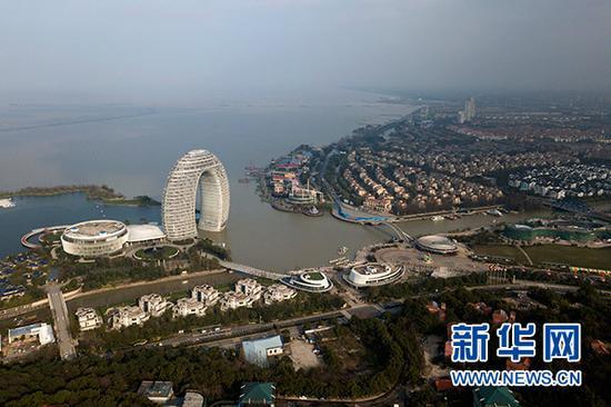 俯瞰浙江湖州太湖旅游度假区(3月21日无人机拍摄)。新华社记者 黄宗治 摄