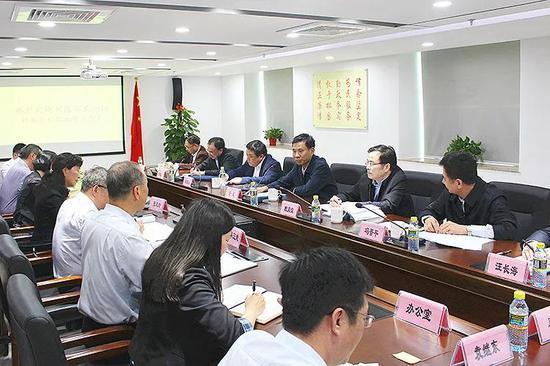 △刘昆(后排右三)在财政监察专员办