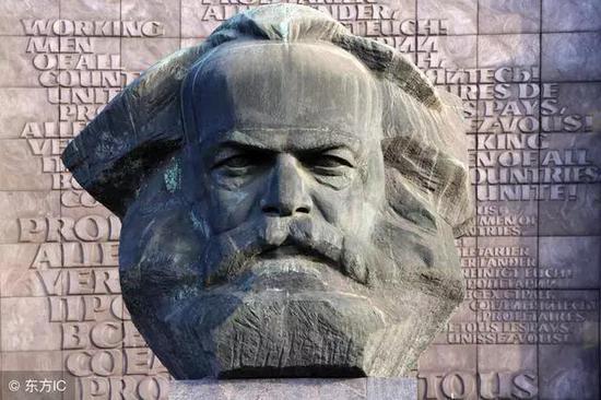 他的英名和事业永世长存――写在马克思诞辰200周年之际任仲平