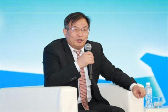 中国工程院院士、航空工业科技委副主任、大型运输运-20总设计师唐长红。