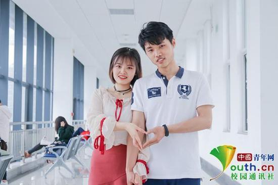 图为两人校园生活写真。中国青年网通讯员 卢赟 摄