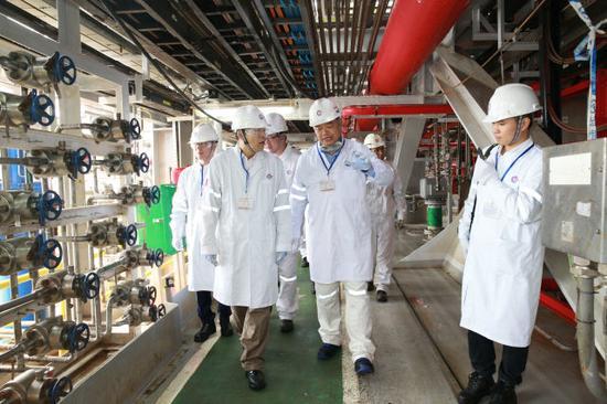 海油工程董事长、党委书记、总裁金晓剑现场调研巴油项目