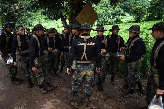 泰国少年足球队失踪 一场中国参与的大搜救正进行图片 48599 550x366