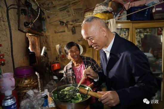 兒女吃上旅遊飯的村民張永香即將住進新房