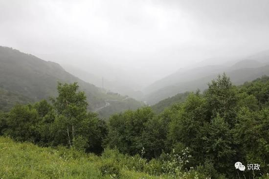 雲山霧繞美不勝收
