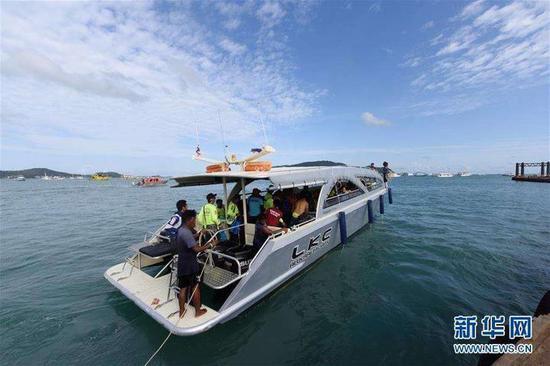浙江海宁发布泰国翻船事故最新通告:13人已回国惠美梨边打电话边做