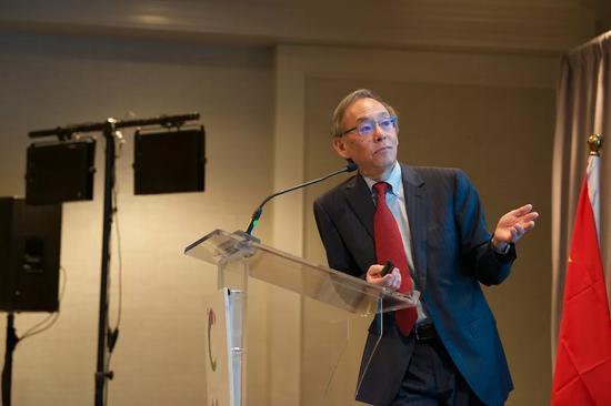 圖爲原美國能源部部長、斯坦福大學教授朱棣文 Woodrow Chris 攝