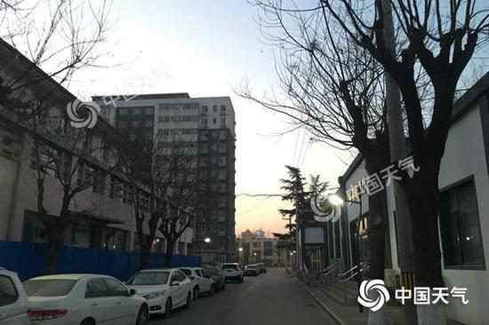 今天早晨7时,北京天空晴朗,气温为-6℃。