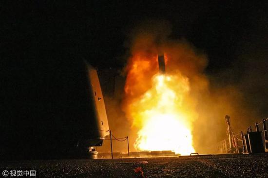 """▲資料圖片:美國國防部公佈發射""""戰斧""""巡航導彈空襲敘利亞畫面。"""