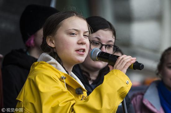 3月15日,桑伯格在斯德哥尔摩对人群发表讲话 图自视觉中国