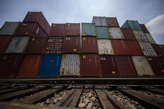 當地時間6月7日,墨西哥海關準備運往美國的出口貨物集裝箱。/視覺中國