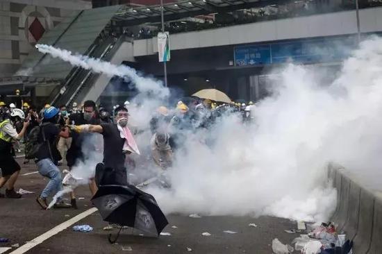 """侠客岛:暴力祸港分子的""""收盘""""时刻"""