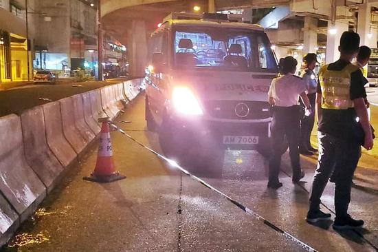 港警被暴徒砍伤 长安剑:暴徒扯下了最后的遮羞布