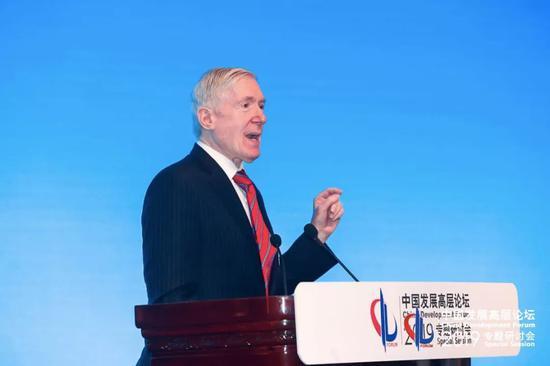 基辛格协会副会少罗伯特·霍马茨   中国开展下层论坛 供图