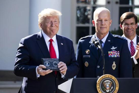 2019年8月29日,美国华盛顿,美国总统特朗普在白宫宣布建立美国太空司令部。